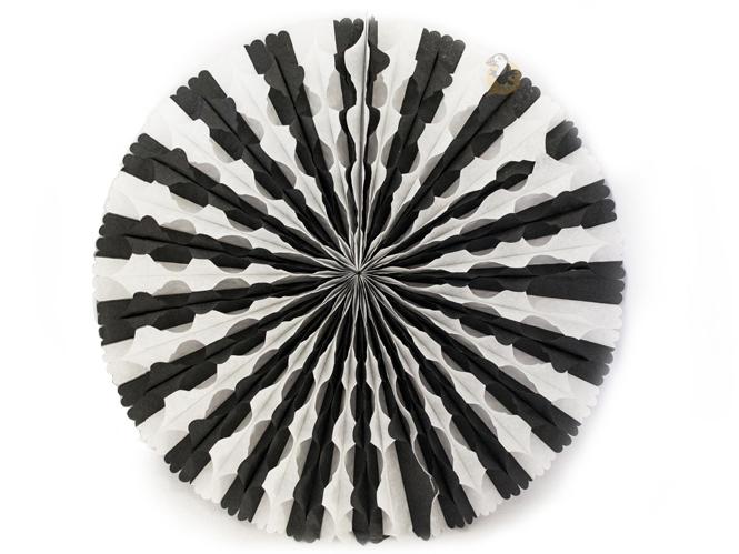 ventails et boules papier d cor breton noir blanc. Black Bedroom Furniture Sets. Home Design Ideas